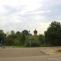 с. Караваево, на дальнем плане Успенская церковь