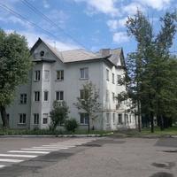 Дом по ул. Ленинградской 2.