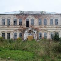 Здание Высшего начального училища в Старых Зятцах.