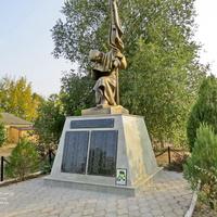 Братская могила воинов, погибших в боях за станицу ы январе 1943 года