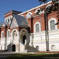 Георгиевский собор,  в настоящее время здесь музей хрусталя