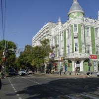 Улица Красная на пересечении с ул. Гимназической