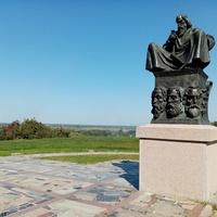 Любеч, пам'ятник Любецькому з'їзду князів