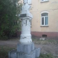 Памятник изобретателю радио А. С. Попову.
