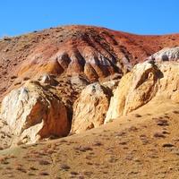 Марсианский пейзаж в окрестностях села.