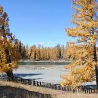 Река Бошкаус в селе.