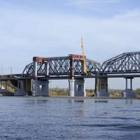 Строительство автомобильного моста через реку Северский Донец