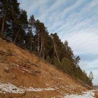 Камские берега у п. Новоильинск.
