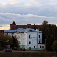 Разрушенные корпуса, цеха фабрики Серпуховской Текстиль и дом Коншина