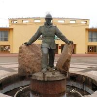 "скульптура ""Нефтяник"""
