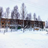 здание школы в д. Нижняя Омра
