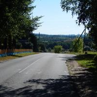 Деревенская дорога у спуска к реке Почалица