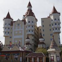 """Сочи-парк. Отель """"Богатырь""""."""
