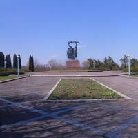 Памятник ударникам села.