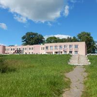 Вид со стороны парка на здание сельсовета