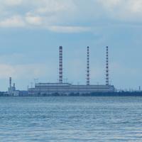 Вид на Лукомльскую ГРЭС с Лукомского озера