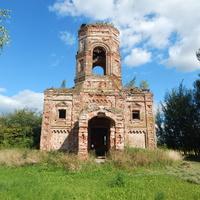 Остатки церкви Св.Ильи (вид со стороны главного входа)