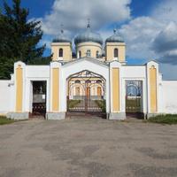 Входная брама Свято-Николаевской церкви