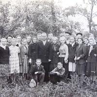Ученики Райгородской школы, 9 класс 1957 год.