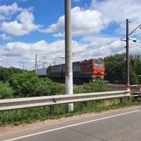 Поезд на переезде