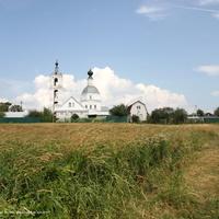 Никольская церковь, вид с юга от р. Нерль