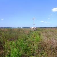 Крест в память о Пустынно-Николаевском мужском монастыре.