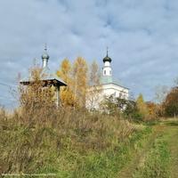 Павловское, звонница и церковь Иоанна Предтечи