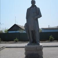 Памятник Шкоту