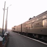 Ивдель. Ночной поезд. Железнодорожная станция.