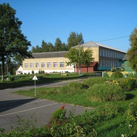 Средняя школа д. Першаи