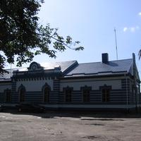 Здание ЖД вокзала. Вид сзади.