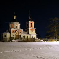 Церковь в Дарьино ночью