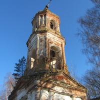 д.Чурилово, осень 2011 г., колокольня Казанской церкви.