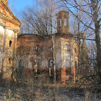 д.Чурилово, осень 2011 г., развалины Казанской церкви.