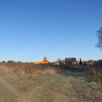 д.Чурилово, осень 2011 г., старые избы и новая постройка.