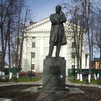Памяник П.И.Чайковскому.