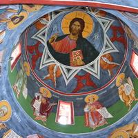 Внутри церкви, верхний свод.