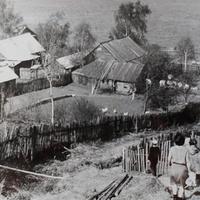 Вид на Набережную улицу с горки от дома Семечевых