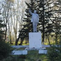 Памятник Ленину в соцгороде спиркомбината.