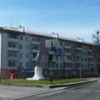 Жилой дом, пересечение улиц Рыжкова и Ленинской