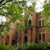 Замок в с. Леськово