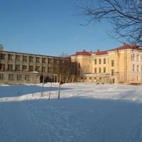 Школа № 1, вид со двора.