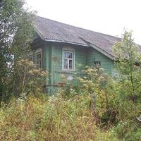 дом в деревне Петрово-Сосницы ( Секратово), август 2012 года