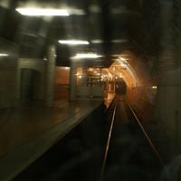 Остановка трамвая в тунели