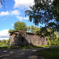 Заброшенная церковь Димитрия Солунского в селе Дмитриевка