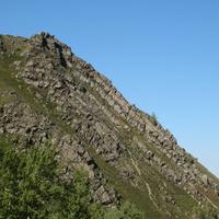 Гора на въезде в ущелье