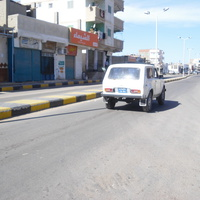 Нива на дороге Сафаги