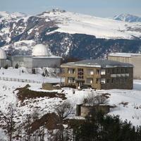 Вид на гостиницу со стороны БТА