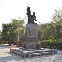 Памятник Великокой Октябрьской революции