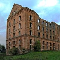 Заброшенное здание мельницы в селе Гуево